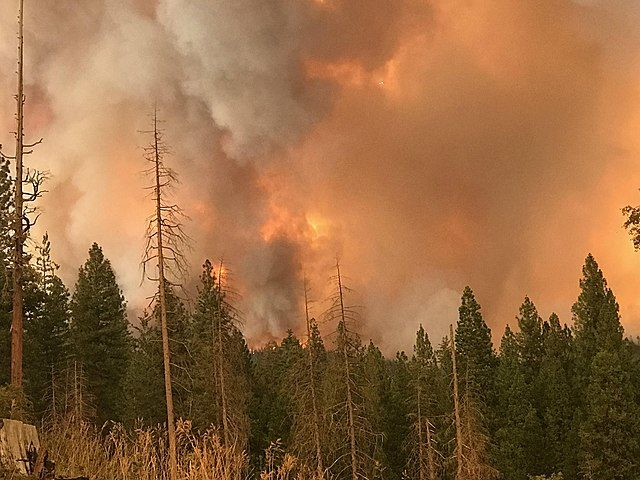 640px-ferguson_fire_near_mariposa_pines_2-7089449