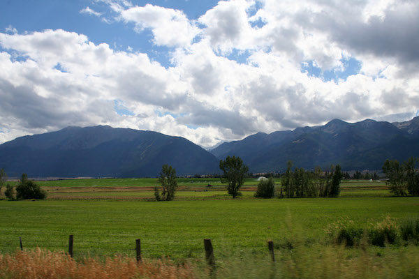 near-enterprise-oregon-with-landscape-with-clouds-1366735